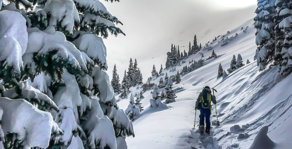 Backcountry Skiing & Splitboarding with CAG
