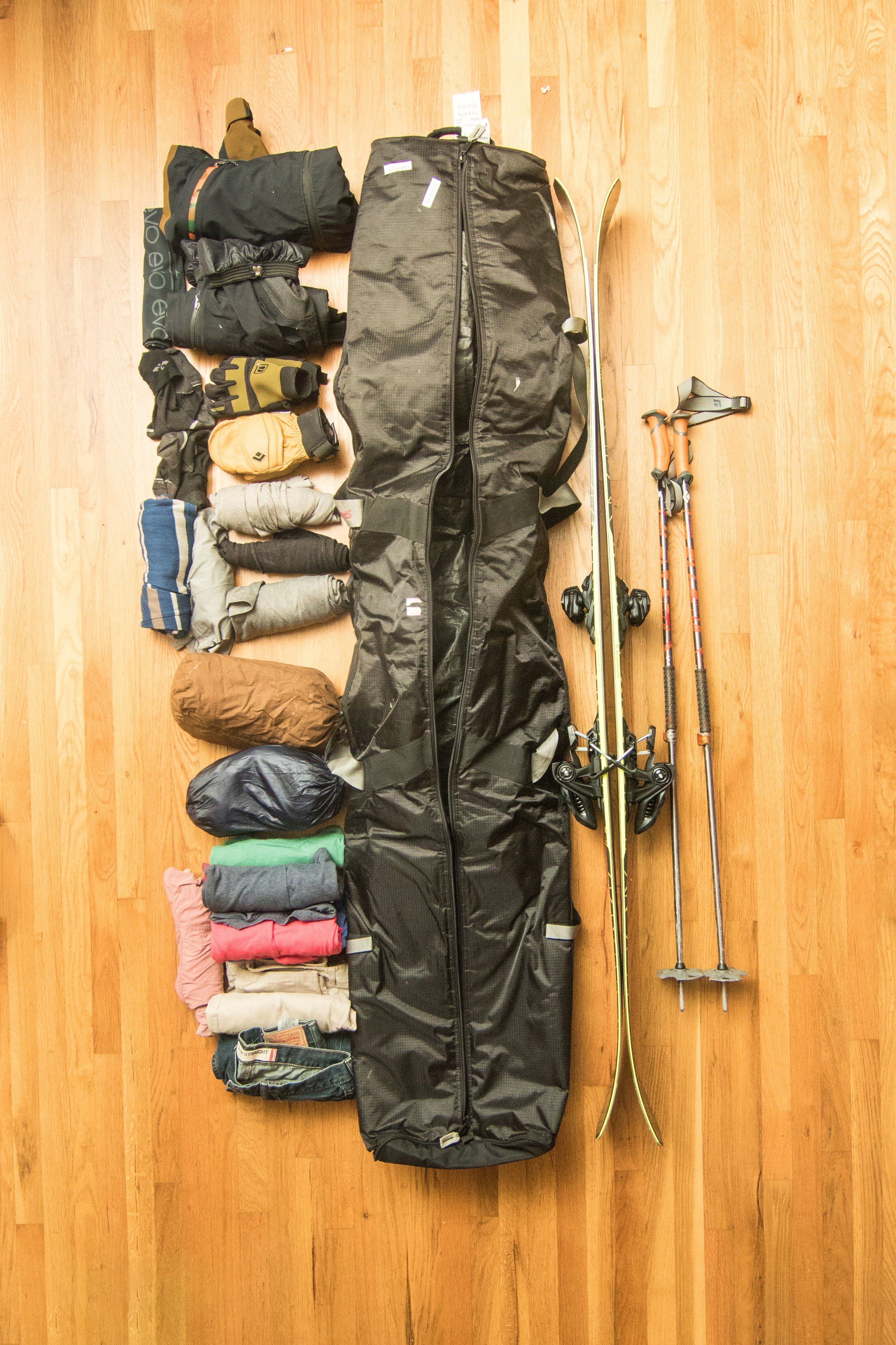 Tips for Flying with Skis   Snowboards   Airline Baggage Policies  c371205e647
