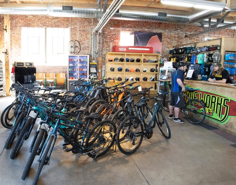 Dual Suspension Mountain Bikes With Free 14 Day Test Ride >> Denver Bike Rentals Road Mountain Electric Bikes Evo