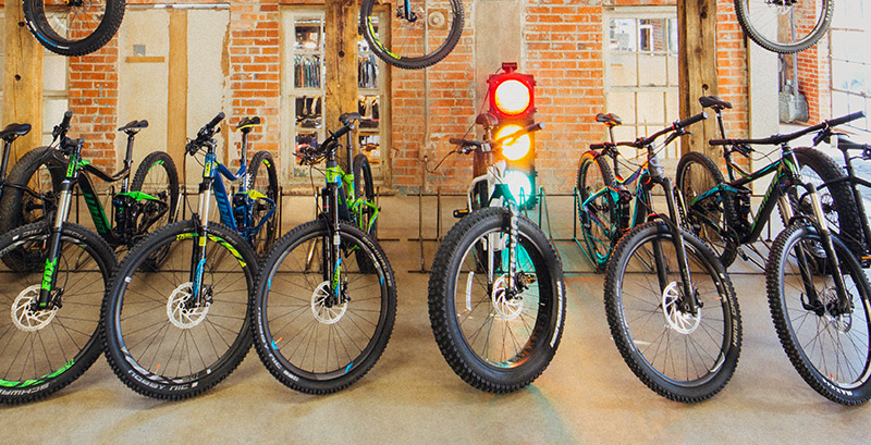 07fbe92804c Denver Bike Rentals - Road, Mountain & Electric Bikes | evo